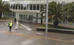La UME desinfecta los exteriores del HUC