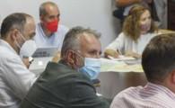Torres se reúne con el Cabildo y los ayuntamientos afectados por el volcán para obtener suelo para viviendas