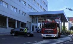 Más de 50 profesionales participan en un simulacro de incendio en el Hospital de La Candelaria