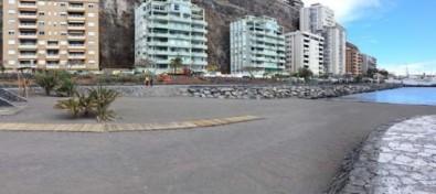 Las playas de Radazul se abren al público tras culminar los trabajos de reposición de arena