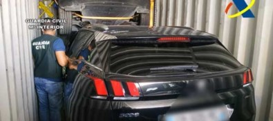 La Guardia Civil recupera en el Puerto de la Luz tres vehículos robados en Francia
