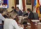 Torres resalta las ayudas ya distribuidas en La Palma y las medidas para acelerar su entrega con un registro único