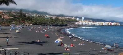 Se reabren al baño las playas de Punta Brava y El Castillo