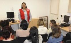86 mujeres tinerfeñas mejoran su empleabilidad gracias al Programa Incorpora desarrollado por Cruz Roja