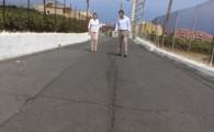 El Ayuntamiento concluirá la repavimentación de la calle Camino La Piñera en el entorno de La Cruz Santa