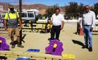 El Ayuntamiento de Antigua acondiciona diez parques infantiles del municipio