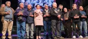 Patricia Hernández arropa a Diablos Locos en el 50 aniversario de la murga