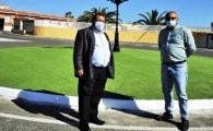 El Ayuntamiento embellece las rotondas de Costa de Antigua
