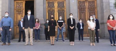 El Ayuntamiento de Santa Cruz se suma al luto oficial y guarda un minuto de silencio por las víctimas de la COVID19