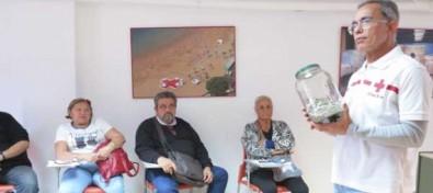 Cruz Roja continúa implicándose para contribuir a paliar el problema de las basuras marinas