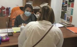 Ayuntamiento de Tegueste y CaixaBank entregan tarjetas de alimentación a 68 familias vulnerables