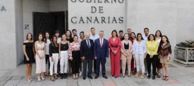 21 estudiantes canarios reciben el Premio a la Excelencia Académica que otorga la Fundación DISA