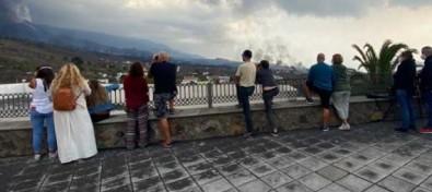 El aumento de visitantes que contemplan la erupción obliga al Comité Director a reforzar los controles de las carreteras