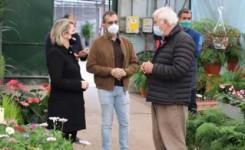 Agricultura abona cinco millones para compensar el parón comercial del sector de la flor cortada de Canarias