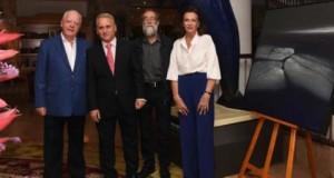 El pintor Ildefonso Aguilar diserta sobre el paisaje lanzaroteño en sus obras en las tertulias artísticas del Hotel Botánico