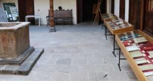 El Instituto de Estudios Canarios expone sus monografías antiguas