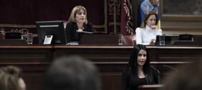Melodie Mendoza será miembro de la primera comisión de estudio sobre la situación de la infancia en Canarias
