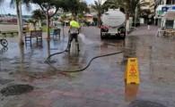 Arona continúa realizando diariamente actuaciones de desinfección de las vías y aceras del municipio