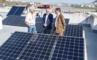 Agotados los 200.000 euros previstos por el Cabildo para placas solares en hogares y aprueba una ampliación de 50.000 euros
