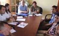 Costas informa del proyecto del Paseo de la Playa de El Castillo