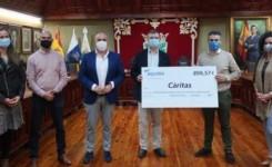 Puerto de la Cruz acoge la entrega del cheque solidario de Aqualia para la acción de Cáritas en el municipio