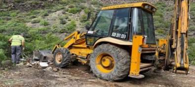 El Ayuntamiento de Guía retira diez toneladas de escombros del Barranco de Valerón y hace un llamamiento a la población para que cuide el entorno natural del municipio