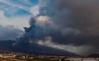 Un ramal de la colada llega a Las Manchas y destruye edificaciones que se habían salvado