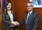Política Territorial y Endesa firman un convenio para minimizar el riesgo de electrocución de la avifauna amenazada de Fuerteventura y Lanzarote