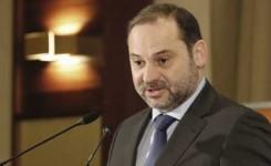 Ábalos asegura que el Gobierno tiene como prioridad garantizar la conectividad de Canarias