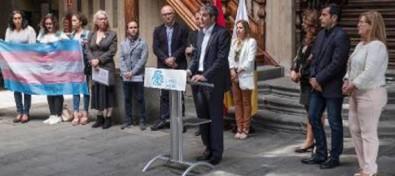 """Clavijo se compromete a """"abrir un nuevo camino"""" con el cambio de Ley de no discriminación por motivos de identidad de género"""