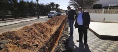 El Ayuntamiento mejora el alcantarillado en Caleta de Fuste