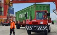Aumenta la llegada de contenedores al puerto para abastecer a la población