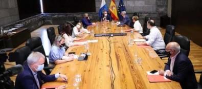 El Gobierno decide prorrogar la limitación de grupos de personas y pedirá la renovación del aval del TSJC