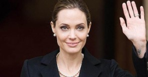 Angelina Jolie se someti a una doble mastectoma por su riesgo de cncer