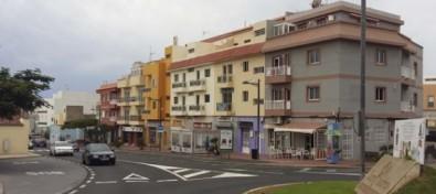 El Ayuntamiento granadillero impulsa la dinamización comercial con la entrega de subvenciones a las asociaciones empresariales