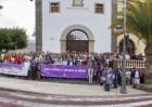 Los vecinos de Adeje manifiestan su repulsa por el asesinato machista ocurrido en el municipio