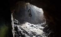 La bajada a la Sima de Jinámar abre el camino al primer sondeo arqueológico de la historia de este emblemático tubo volcánico de Gran Canaria