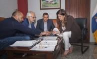 Puertos Canarios y Cabildo de El Hierro anuncian la ejecución del nuevo alumbrado y saneamiento del Puerto de La Restinga