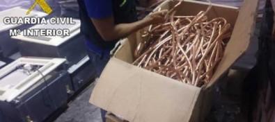 La Guardia Civil esclarece una trama de falsedad documental en torno a la venta de cobre