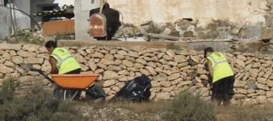 Las once personas contratadas en el Plan de Empleo de Betancuria impulsan el embellecimiento del Municipio