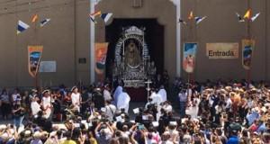 Devoción en Candelaria en la festividad de la Patrona