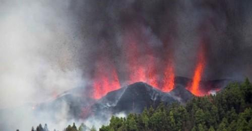 El volcán de Cumbre Vieja de La Palma entra en erupción