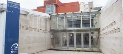El Cabildo aprueba la cesión a Sanidad del antiguo Colegio Universitario de Las Palmas para la ampliación del Hospital Insular