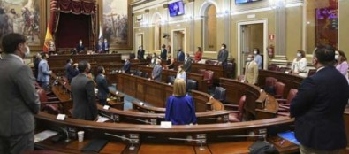 El Parlamento celebra su primer pleno ordinario del segundo año de legislatura