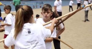 Un total de 391 escolares de Canarias disfrutan en Las Canteras de los deportes autóctonos y tradicionales
