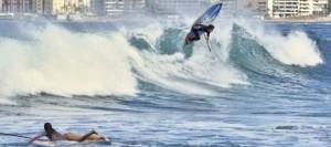 El espectáculo de las olas toma el control en La Cícer con el Mundial de Paddle Surf
