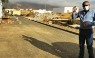 El Ayuntamiento ejecuta obras de mejora de alumbrado y aceras en cuatro calles de Antigua