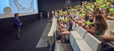 El Cabildo reúne más de un centenar de jóvenes en la clausura del proyecto educativo Quédate