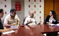 El Gobierno de Canarias mejorará la conectividad aérea y marítima de los gomeros