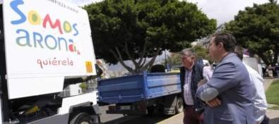 Arona incorpora a la limpieza una veintena de vehículos de bajas emisiones que evitarán añadir 115 toneladas de CO2